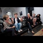Okrogla miza z umetnicami razstave Urok
